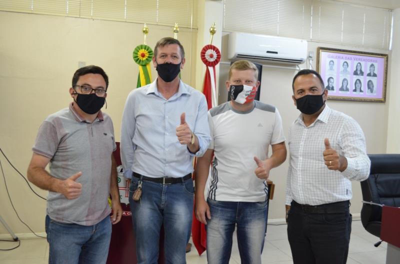 Após mais de quatro horas de sessão, Mártin Nyland, Eduardo Viana, Alcindo Iser e Marcelo Carvalho foram liberados das acusações
