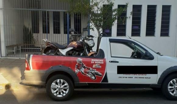 Motocicleta furtada foi localizada com suspeito no Bairro Arco Íris