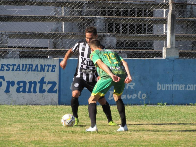Galo saiu perdendo por 2 a 0, mas no final conseguiu buscar o empate diante do Novo Horizonte, de Esteio