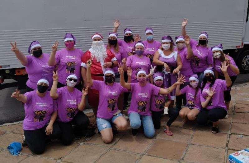 Grupo de voluntárias responsáveis pelas entregas