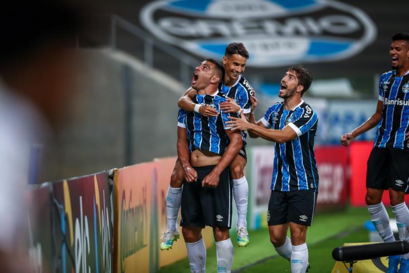 Com gol de Diego Souza, Tricolor superou o time paulista por 1 a 0 na partida de ida da fase mata-mata da competição