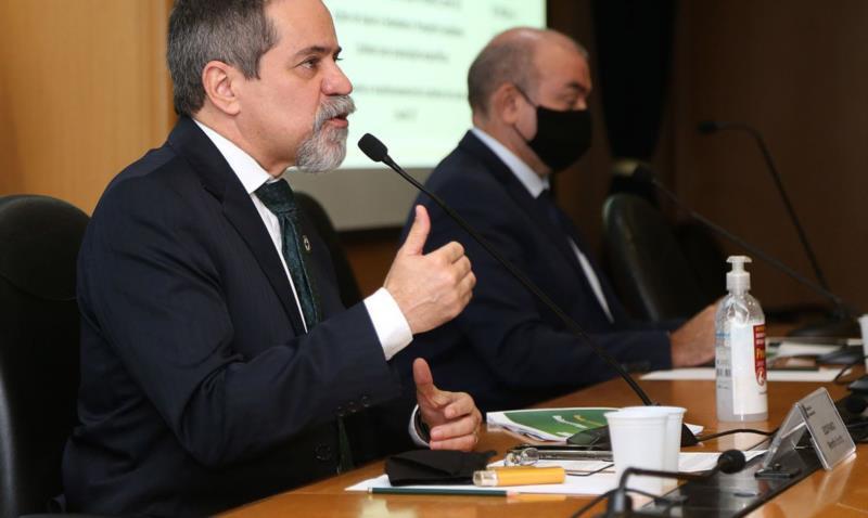 A projeção foi apresentada pelo secretário executivo da pasta, Élcio Franco