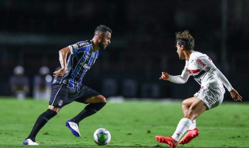 Renato Gaúcho tem poucas dúvidas em relação à equipe do Grêmio que deve começar a partida