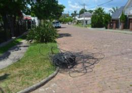 Caminhão derruba fios e deixa moradores sem energia elétrica em Vera Cruz