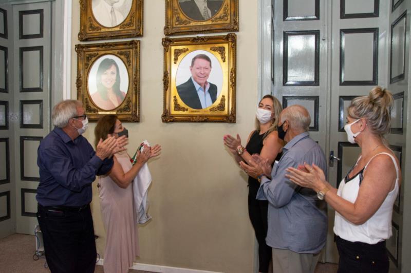 Foto de Telmo Kirst é incluída na galeria dos ex-prefeitos
