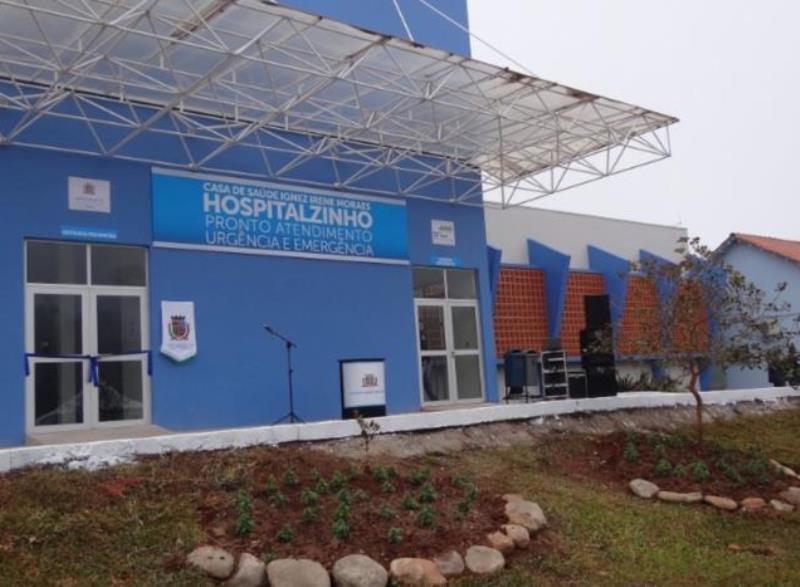 Ato marca reabertura do Hospitalzinho 24 horas em Santa Cruz nesta segunda