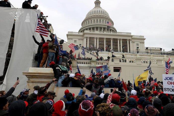 Apoiadores de Trump invadiram o local no momento da confirmação da vitória de Biden