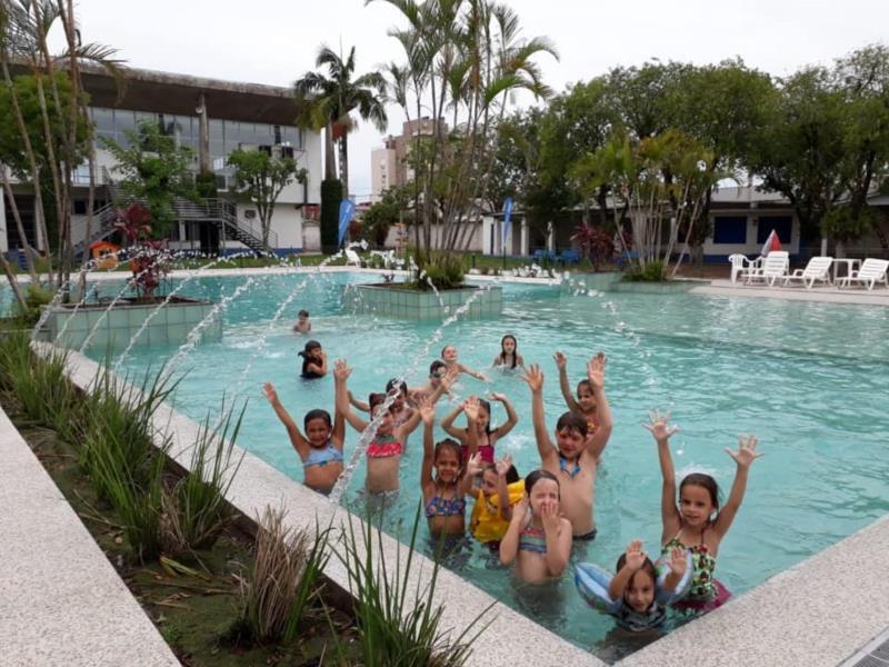 Iniciativa promove oficinas e atividades recreativas para crianças