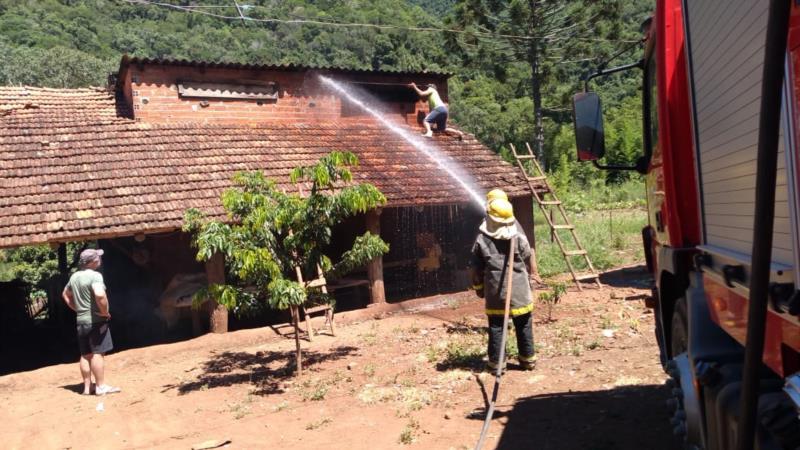 Trata-se da décima sexta ocorrência de queima de estufa nesta safra no município
