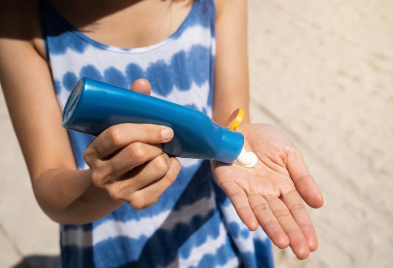 Dermatologista elenca dicas e ações importantes para garantir a segurança em dias de calor intenso