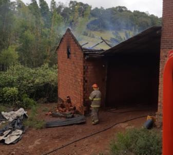 Incêndio foi registrado na manhã desta quarta-feira