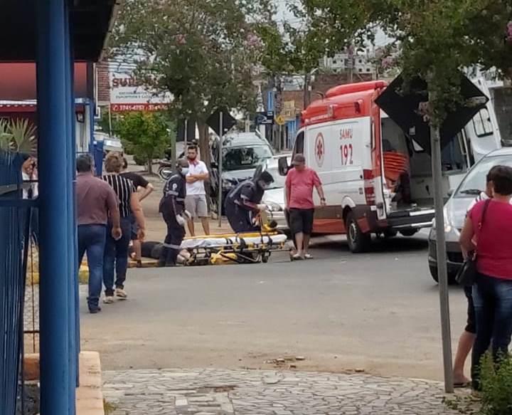Ocupante da motocicleta sofreu lesões