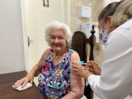 Vacina contra a Covid-19 chega aos lares de idosos de Venâncio Aires