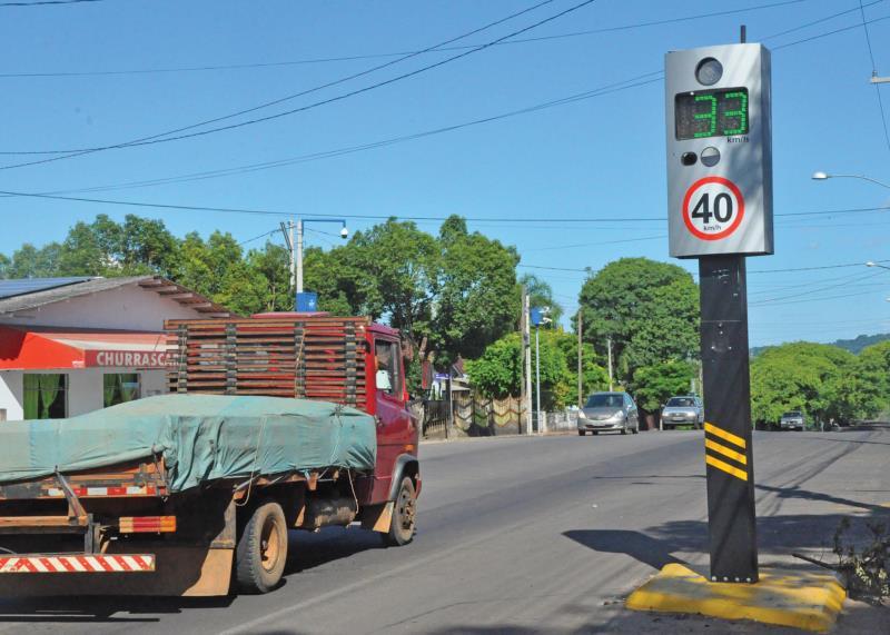 Lombadas multaram 4.715 vezes no ano passado em Vera Cruz