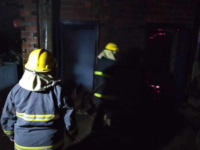 Incêndio foi registrado no município na noite desta quinta-feira
