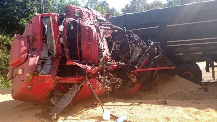 Acidente envolveu quatro veículos de carga