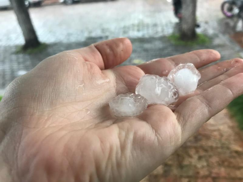 Em Santa Cruz do Sul também houve relatos de vento e chuva forte