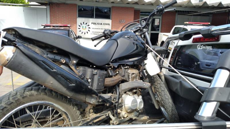 Moto foi encontrada sem a placas e com chassi raspado