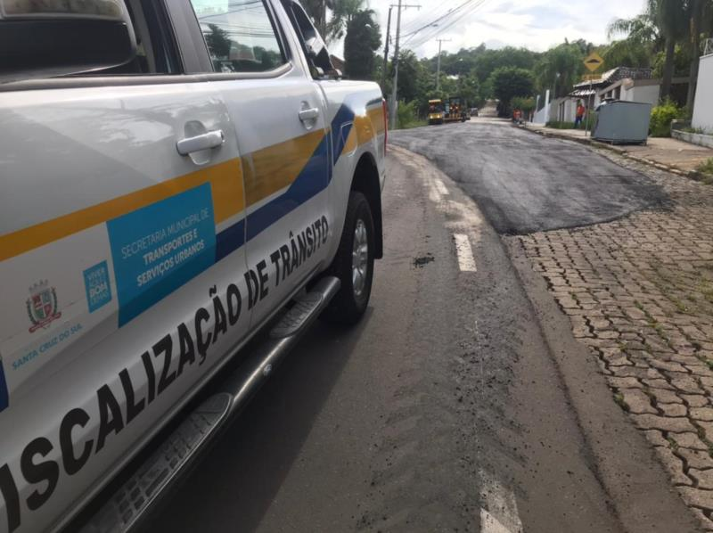 Obra na Benno João Kist altera o trânsito nesta quinta em Santa Cruz. Confira os desvios