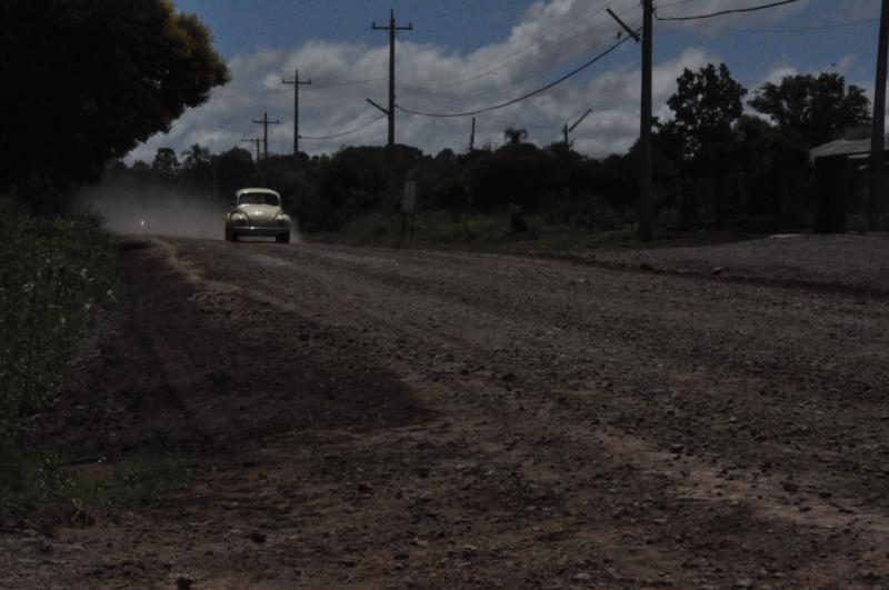 Pavimentação da via é demanda antiga de moradores e usuários