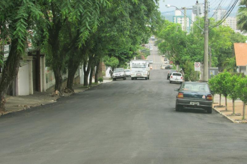Concluída a primeira etapa do asfaltamento na Rua Benno Kist