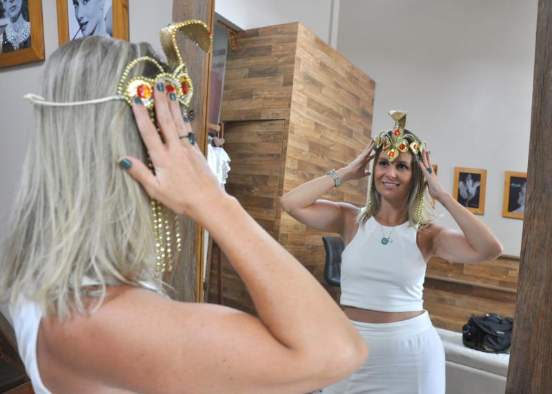 Ao longo da semana, Juliana já preparou a fantasia de Carnaval