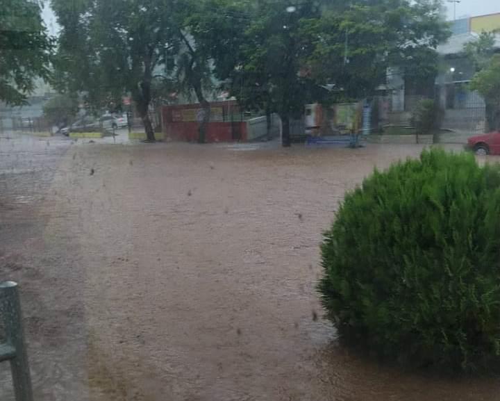 Chuva forte causa alagamentos em diversos pontos de Vera Cruz