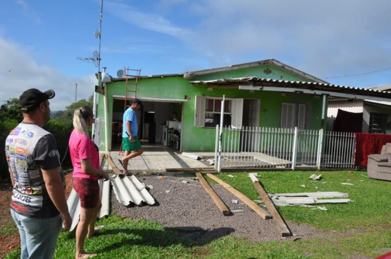 Residências estão sendo visitadas pelas equipes da Prefeitura