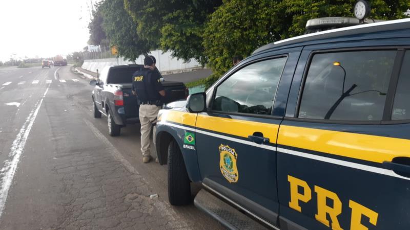 Veículo foi interceptado após perseguição por mais de 3 quilômetros pela BR 153