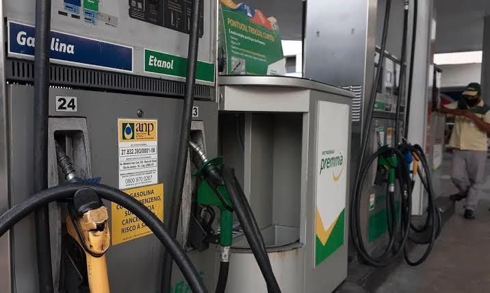 Preço da gasolina na refinaria será R$ 2,48 por litro