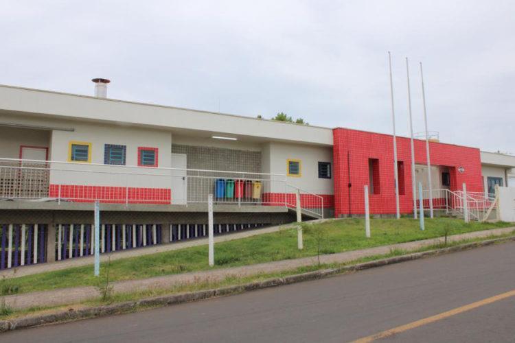 Educandário estava fechado após o encerramento do contrato da administração