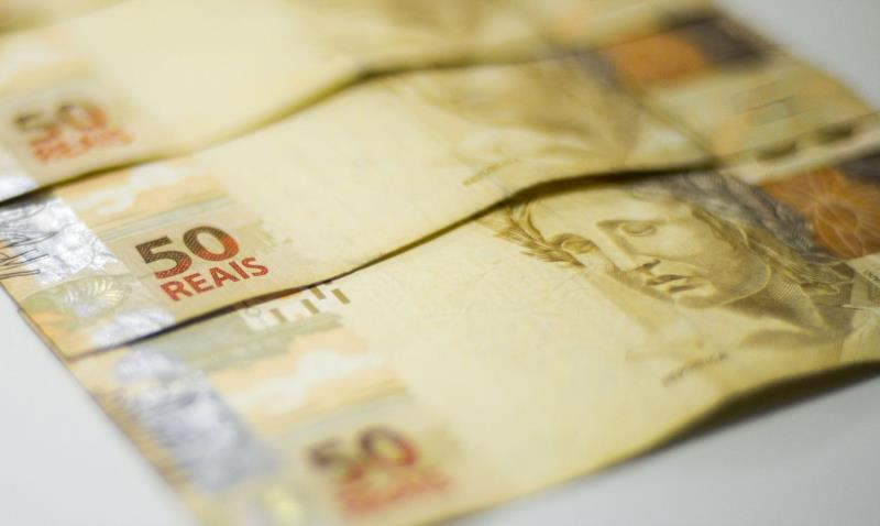Monitor do PIB-FGV sinaliza que a atividade econômica retraiu 4% em 2020