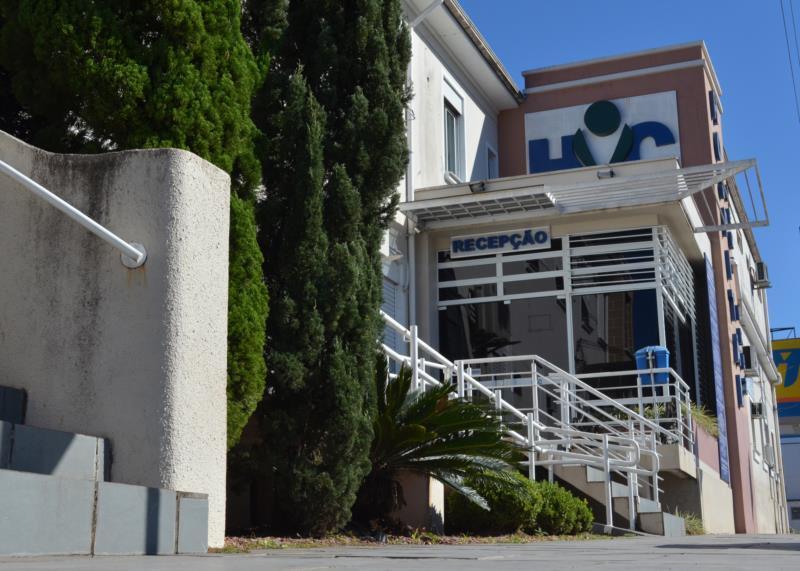 Durante a semana atendimentos são feitos no Ambulatório de Campanha e aos fins de semana no Hospital Vera Cruz
