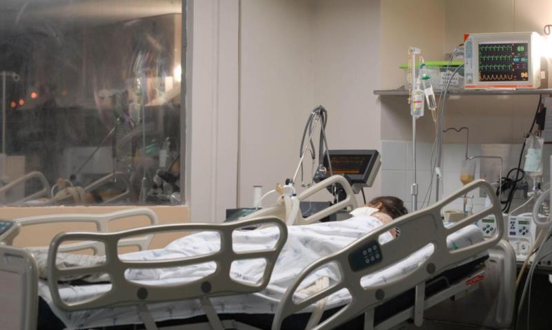 Situação é crítica nos dois hospitais do município com leitos de UTI disponíveis