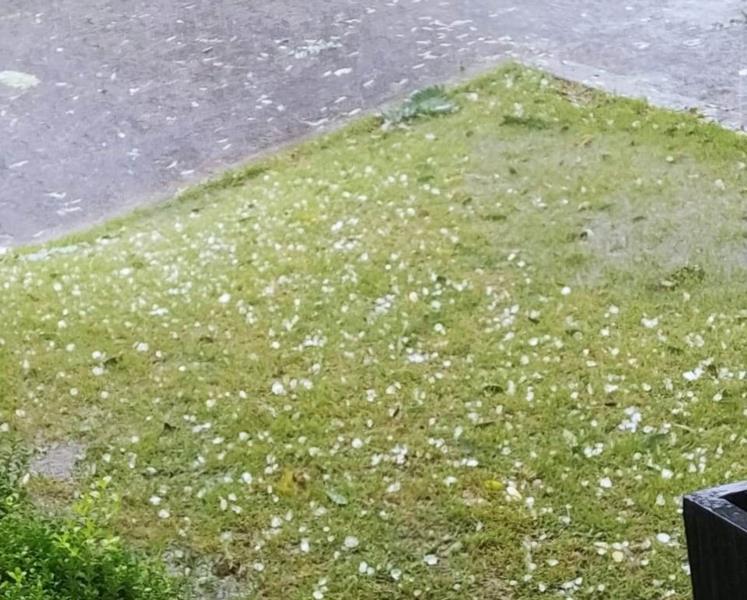 Vera Cruz registrou forte vento e chuva de granizo