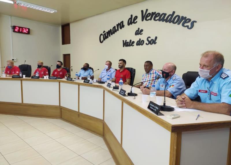 Reunião sobre os bombeiros voluntários aconteceu nesta segunda-feira, dia 22