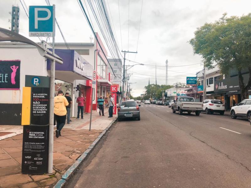 No início desta tarde, era visível o movimento de pessoas nas vias Osvaldo Aranha e Tiradentes