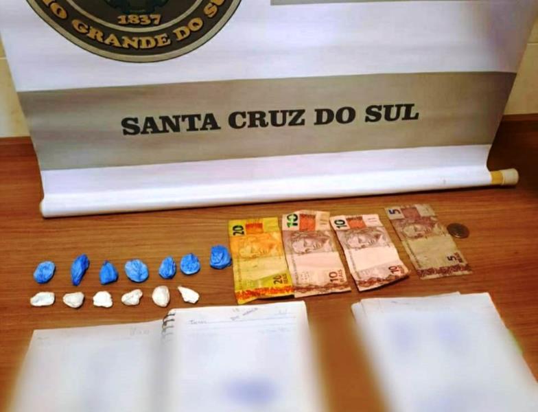 Caso aconteceu no Bairro Várzea e foram apreendidas 13 buchas de cocaína
