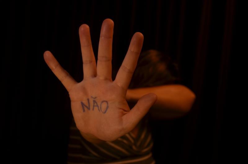 Mais de 100 situações de violência doméstica foram registradas por mês desde o início do ano