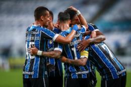 Com gols no final, Grêmio goleia Pelotas na Arena