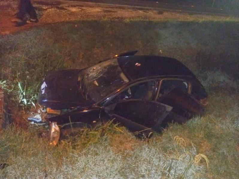 As duas ocupantes do carro foram encaminhas inconscientes para o hospital