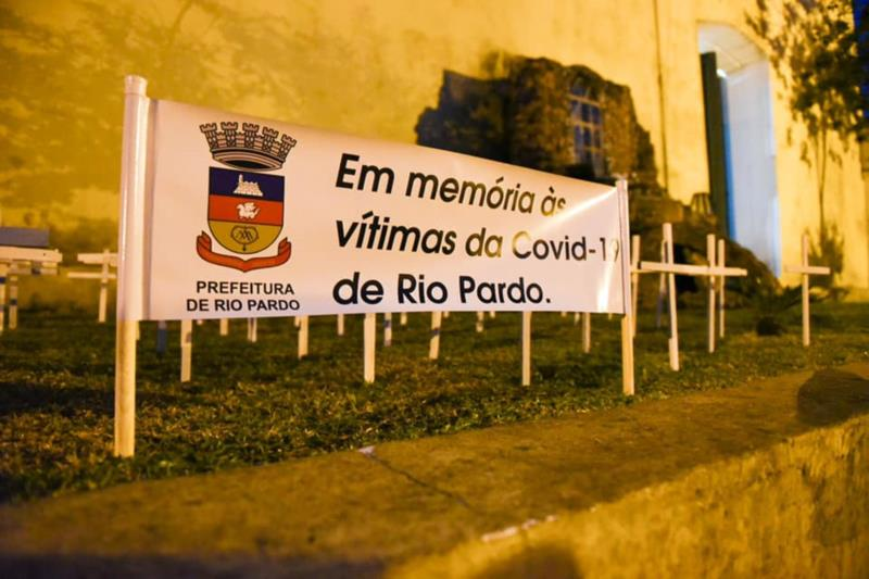 Também foram entregues bombons aos profissionais da saúde de Rio Pardo