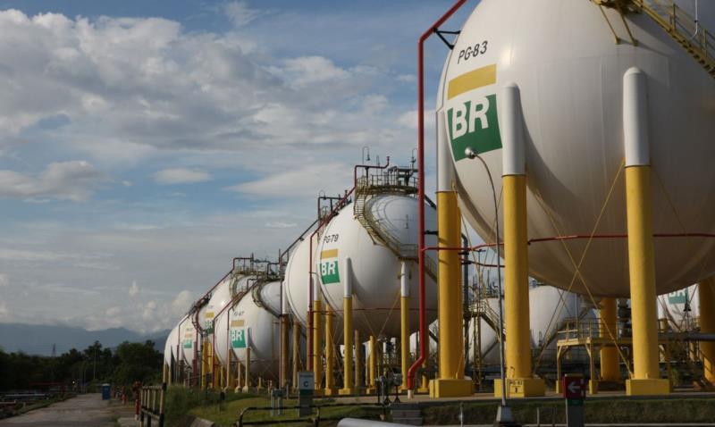 Reajuste foi anunciado pela Petrobras na segunda-feira