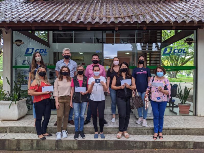 CDL Santa Cruz realiza entrega de prêmios da Promoção de Páscoa