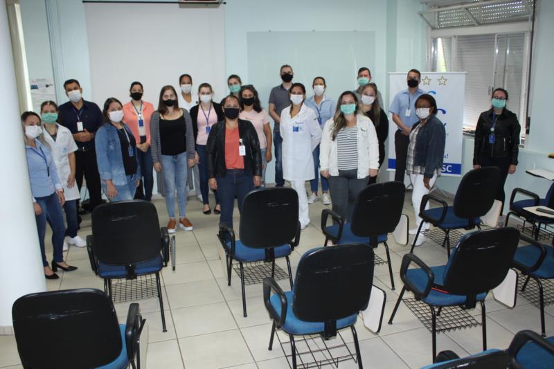 solenidade foi realizada na sala de reuniões da Instituição e contou com a presença dos 22 eleitos e indicados