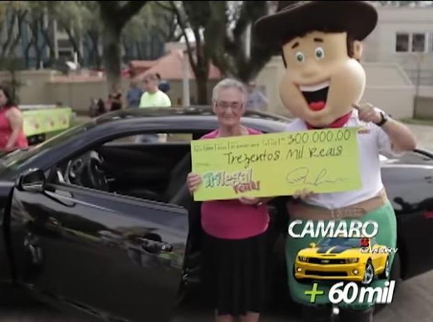 Lúcia Rosa Giongo, moradora de Santa Cruz, adquiriu a cartela com sua vizinha Maria de Lurdes e faturou um Camaro + R$60 mil reais, totalizando R$300 mil reais no sorteio do dia 09/08/2015