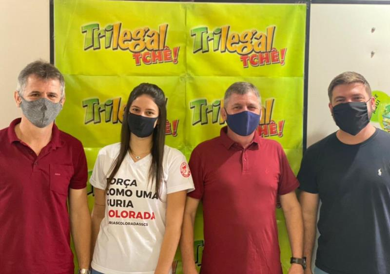 Marcos, Lauren, André e Ricardo Etges, integrantes da equipe Tri Legal Tchê