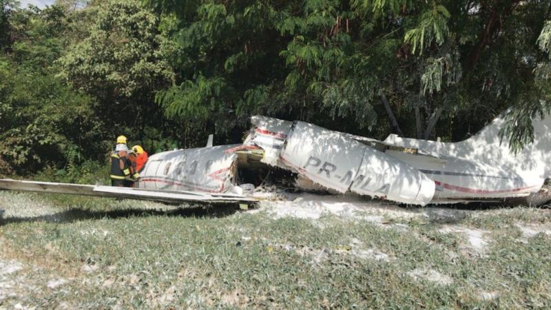 Aeronave cai no Aeroporto da Pampulha, em Belo Horizonte