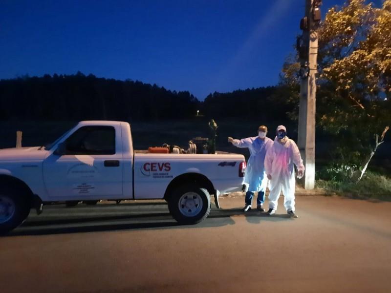 Vigilância ambiental aplica fumacê contra o Aedes Aegypti em Santa Cruz