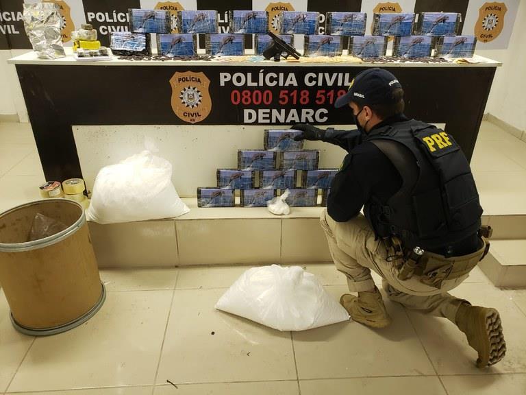 A ação aconteceu nesta quinta-feira simultaneamente em Caxias do Sul e São Leopoldo